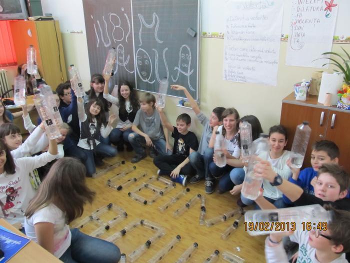 Scoala nr. 197 , clasa a VI -C , cu ajutorul D-lor profesoare Mihalache Teodora si Orascu Ioana